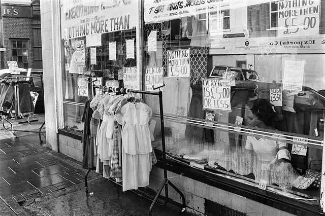 Shop, 153, High Rd, Willesden Green, Brent, 1990, 90-12c-41