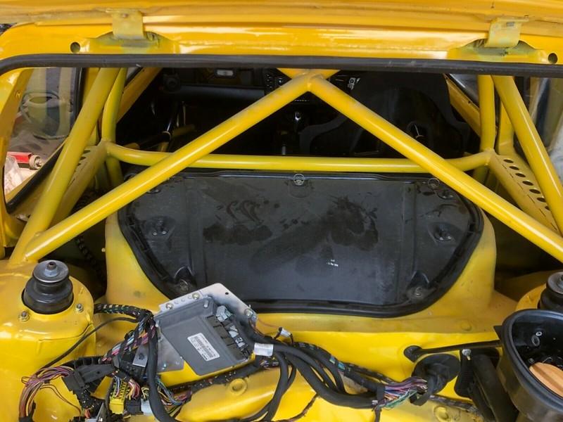 Peugeot-205-Porsche-Boxster-7