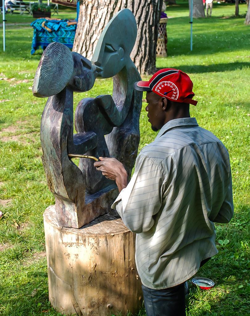2009 25 Zimbab Sculpts-066