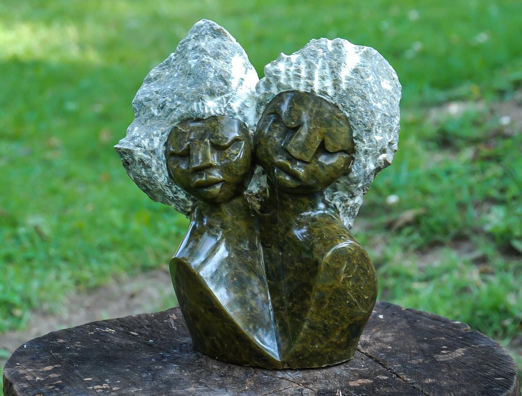 2009 25 Zimbab Sculpts-044