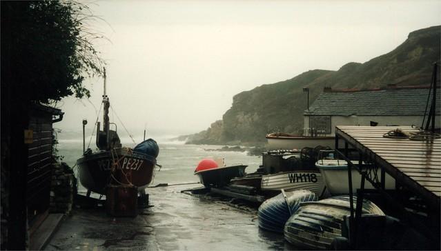 693-942 27 October 2000 Lulworth Cove Dorset (40)