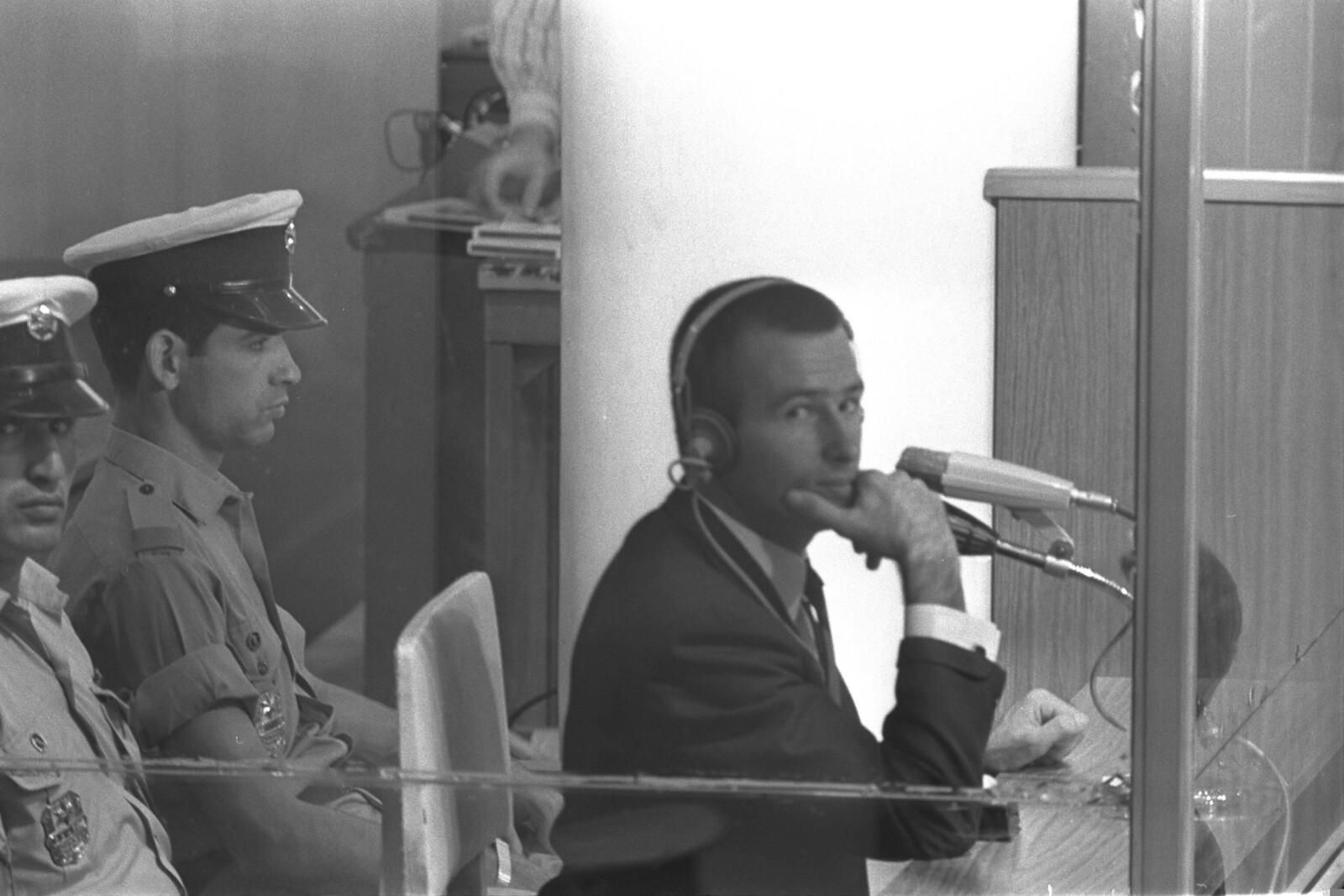 18. Майкл Рохан во время суда. 8 октября