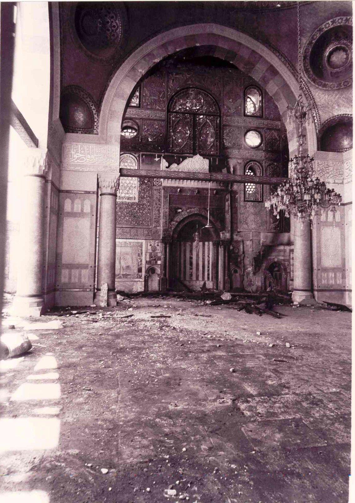 06. Внутри мечети после пожара