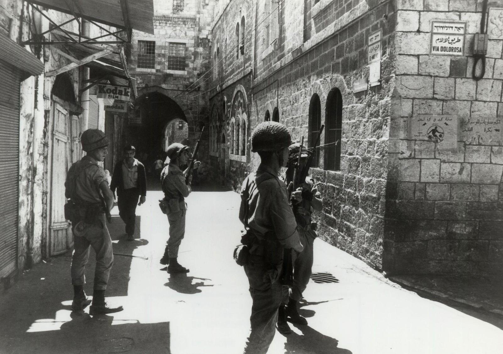 10. Израильский патруль в Старом городе во время арабских волнений