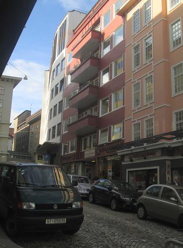Hints of Art Deco, Bergen