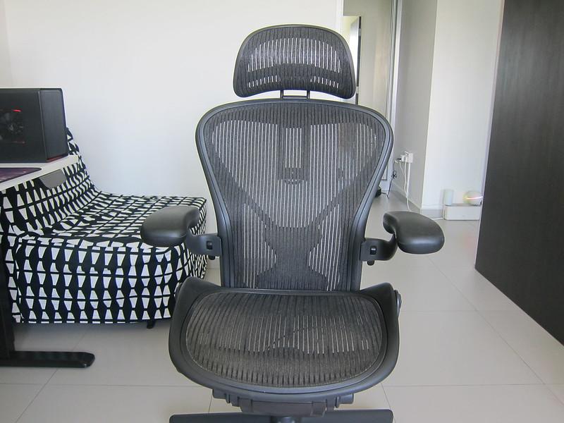 Atlas Headrest - With Herman Miller Classic Aeron Chair