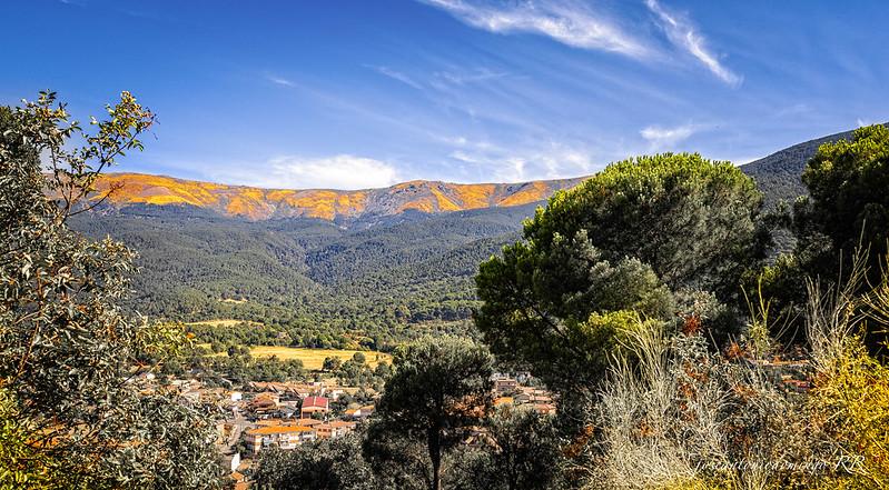 Valle y montañas