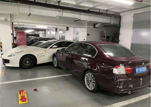 Ferrari-Porsche-Mercedes-BMW-Crash-1