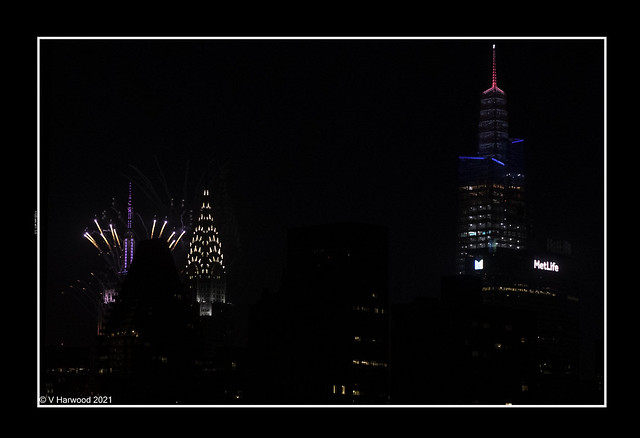 Empire State Bldg joins Fireworks Display