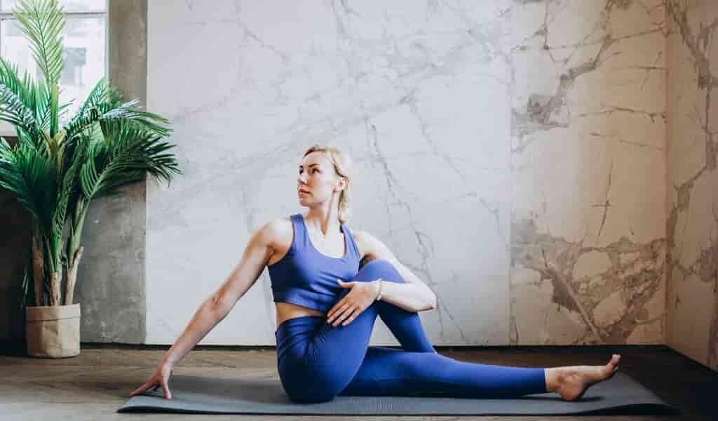 le-yoga-aide-à-réduire-le-stress-lié-au-travail