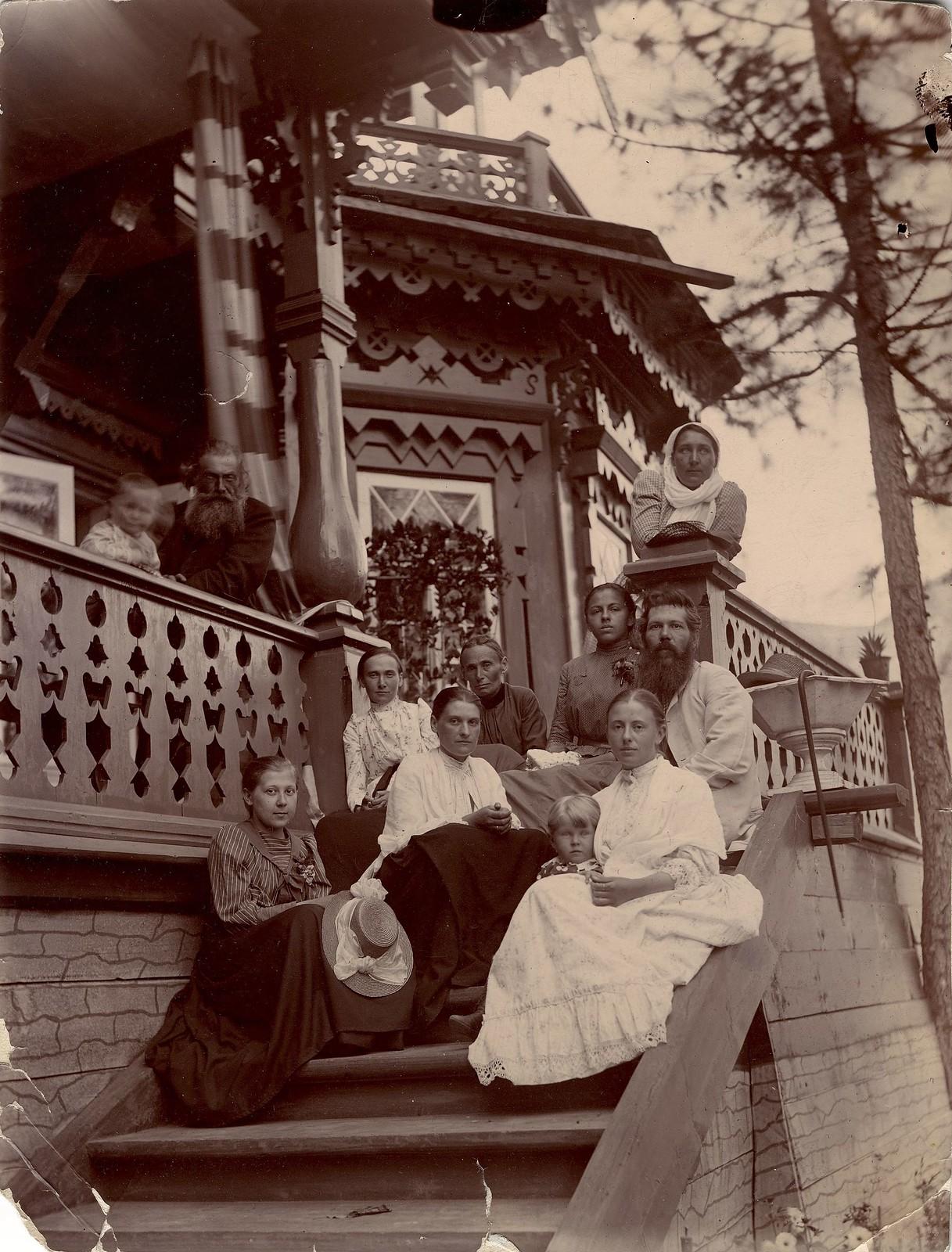 На даче Ю.П. Матвеевой. 1897