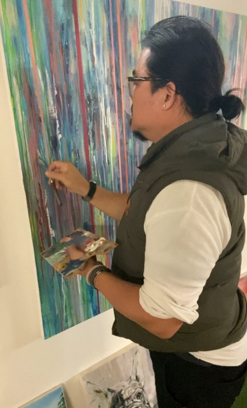Artist Kenneth WH Lee (2)