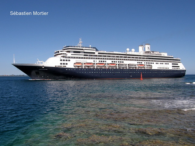 MS AMSTERDAM 220M IMO 9188037 HOLLAND AMERICA LINE TO BOLETTE IN 2020 09 10 2009 PAPEETE