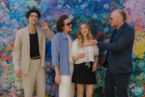 Pot d'équipe du film Les Magnétiques de Vincent Maël Cardona