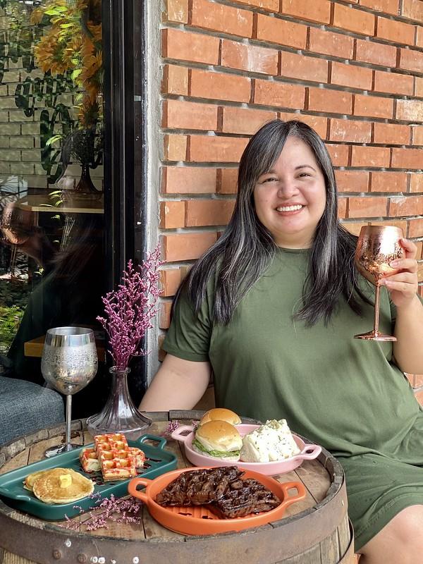 Breakfast at Lamp Quarters, Marikina