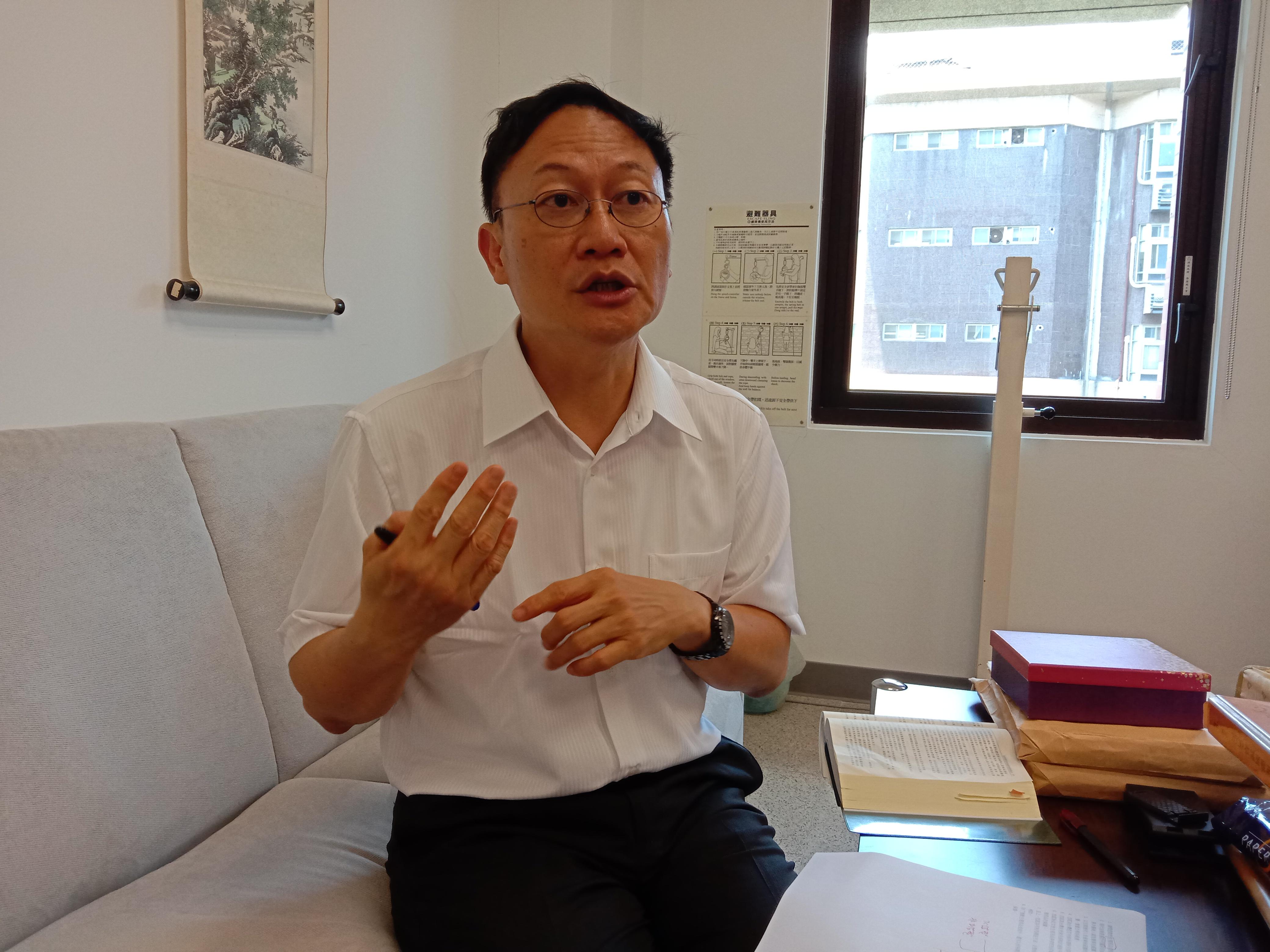 台法教授柯格钟 - 摄影 :刘慧馨