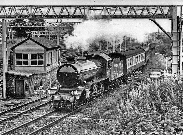 LNER Class K4 No 3442 'The Great Marquess' passes Stockport Edgeley No 2 Signal Box (LNWR 1884) on 13th July 1989