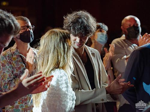 Fin de projection du film Les Magnétiques de Vincent Maël Cardona