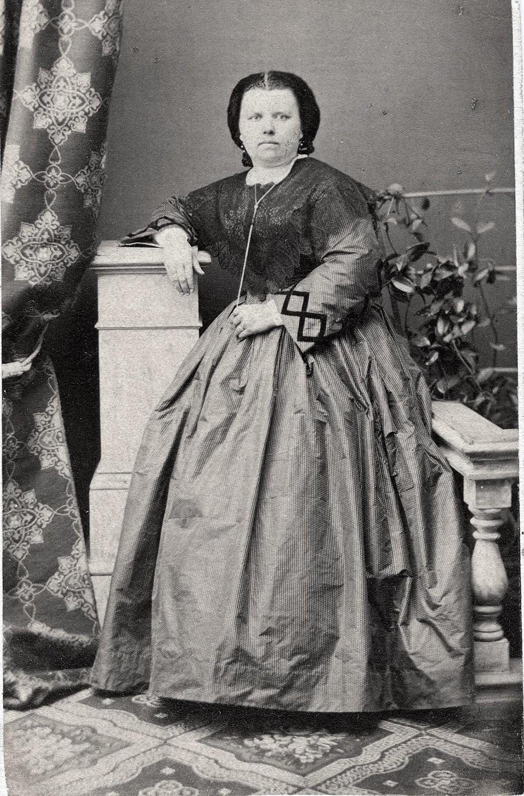 Светланова Мария Ивановна, жена купца А.А. Светланова. 1860