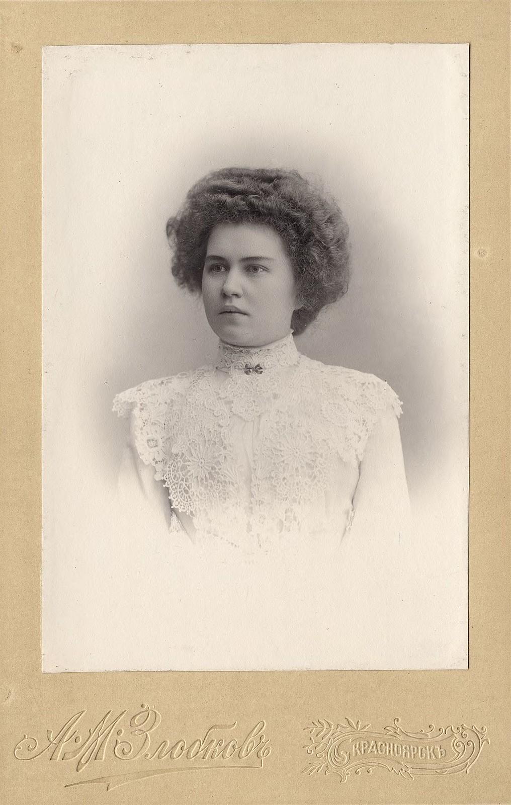 Ларионова Александра Петровна - дочь Красноярского купца П.И. Ларионова. 1880