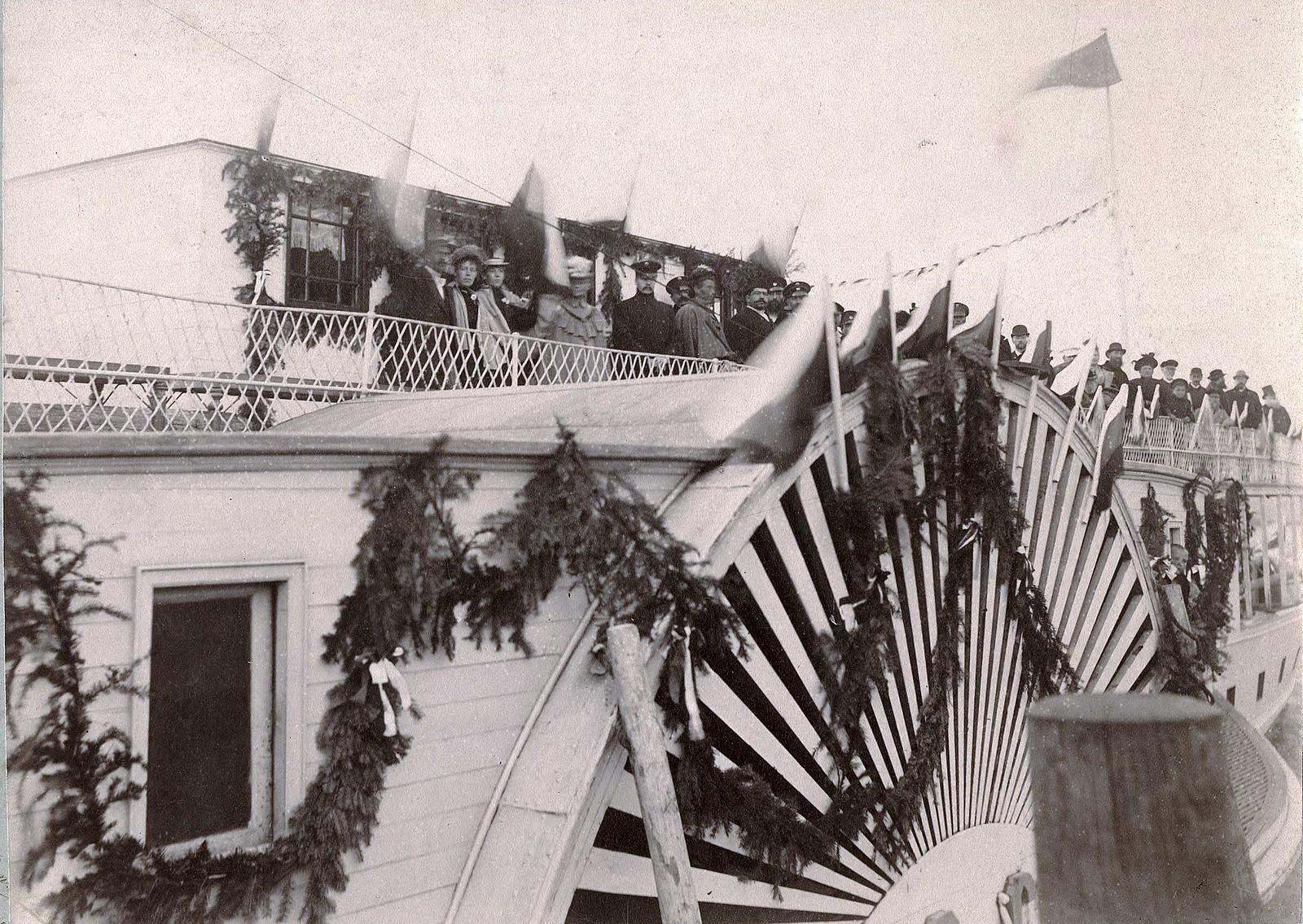 Гулянье в Троицын день по Енисею на пароходе Россия. 1897