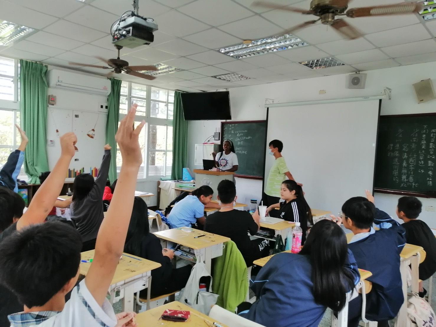 六龜高中選修課上課狀況。(六龜高中提供)