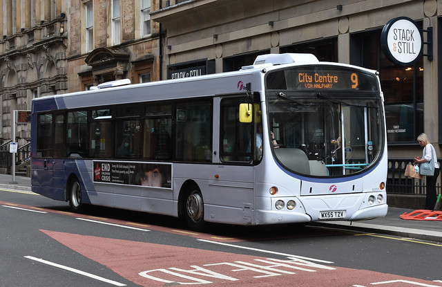 First Glasgow Volvo B7RLE 66958 Route 19