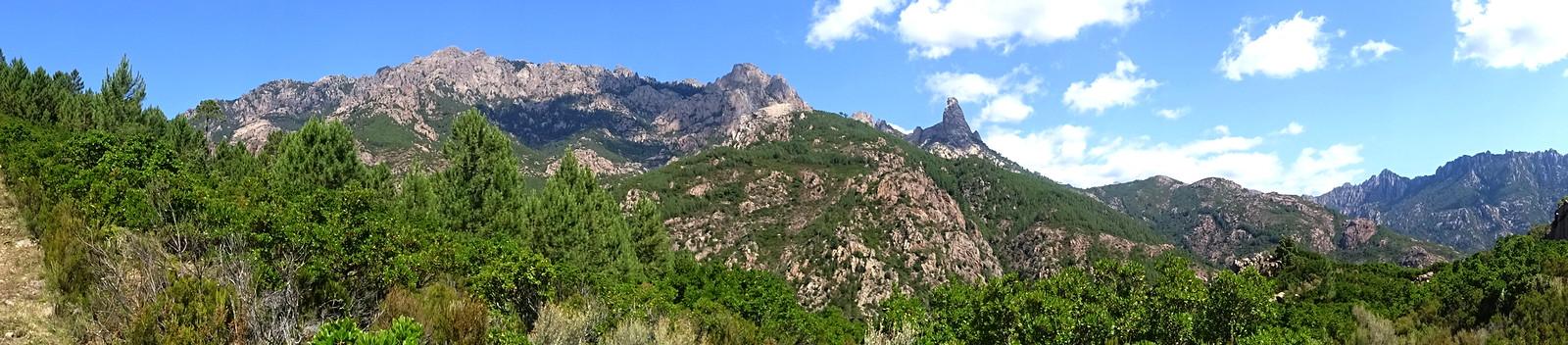 Chemin du Finicione RD : au 1er col (490m) - Panoramique crêtes Bavedda
