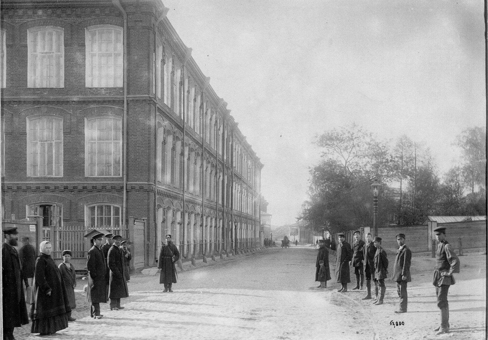 Корпус ткацкой фабрики вид с улицы Рочдельской