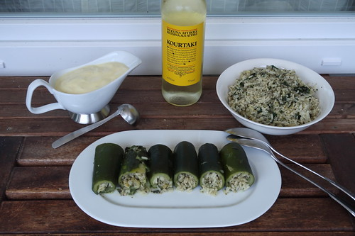 Retsina zu Kolokythákia avgolémono ( = Gefüllte Zucchini mit Ei-Zitronen-Soße)
