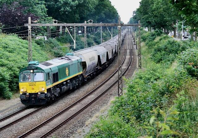 Freightliner 266 004