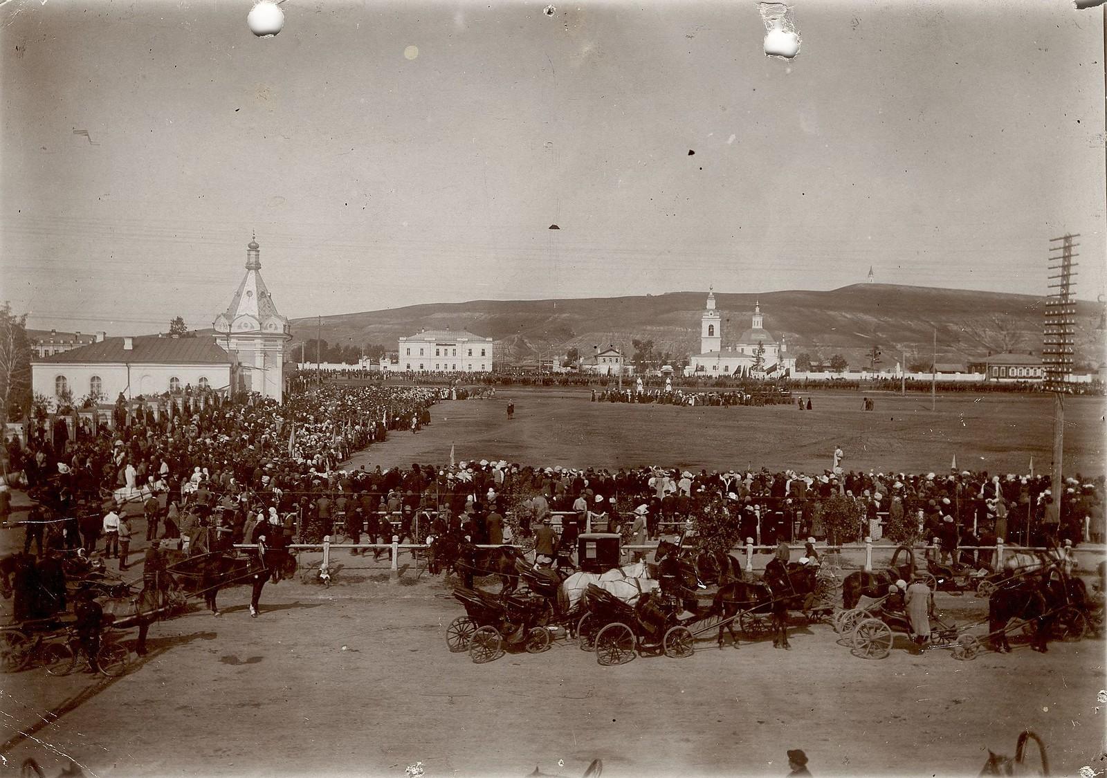 Молебен в Красноярске по поводу победы русской армии в Галицинской битве в августе - сентябре 1914