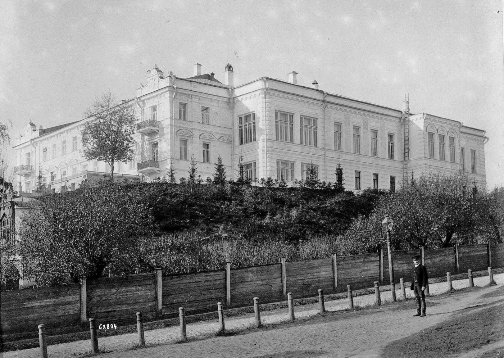 Вид дома фабрикантов Прохоровых, в котором жили три поколения