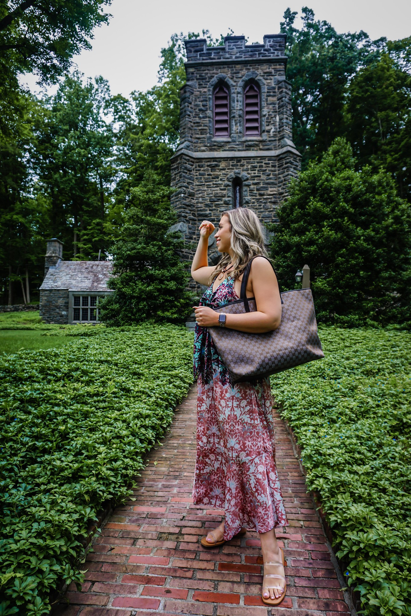3 Ways to Wear Pre-Loved Designer Bag | Gucci Canvas Tote Bag | LXRandCo | LXR Vintage Luxury Retailer | Vintage Designer Bag Review | Where to Buy Preloved Designer Bags | Free People Metallic Dress Outfit | Summer Outfit Ideas