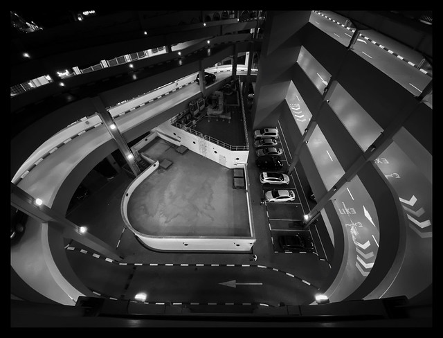 Dubai in BW 017