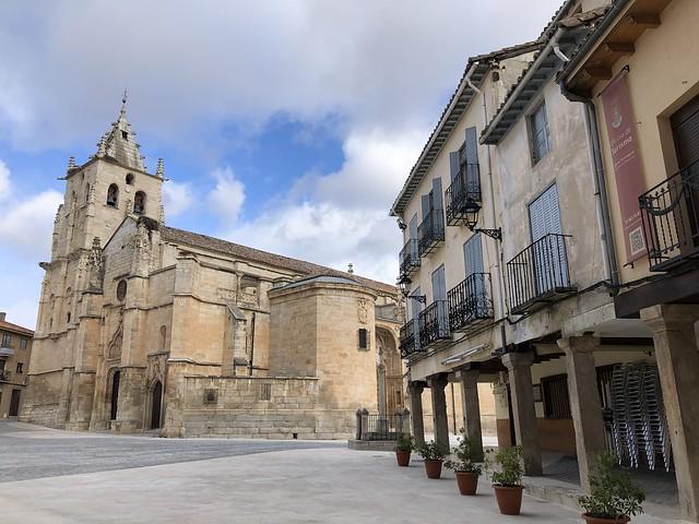 La Plaza Mayor es uno de los espacios imprescindibles si se quiere visitar Torrelaguna,