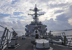 USS Benfold (DDG 65) sails through the South China Sea while conducting routine underway operations, July 12. (U.S. Navy/MC1 Deanna C. Gonzales)
