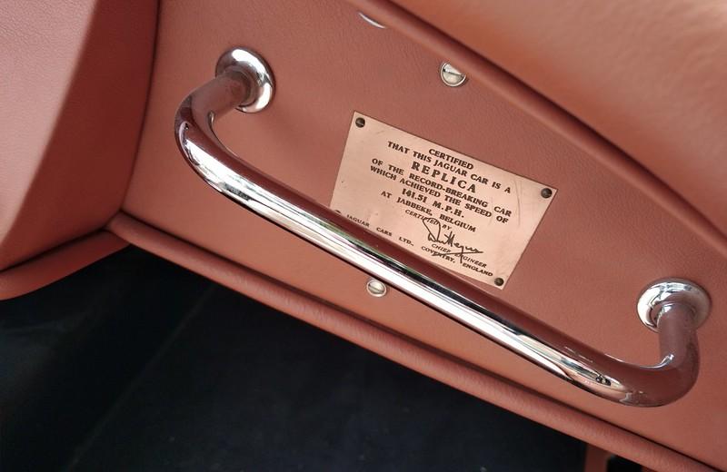 Jaguar XK 120 / Replica record 141,51 Mph  51306051735_3fe9366a20_c