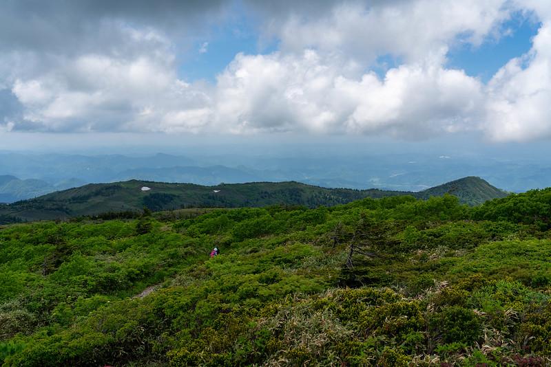 森吉山から下山する