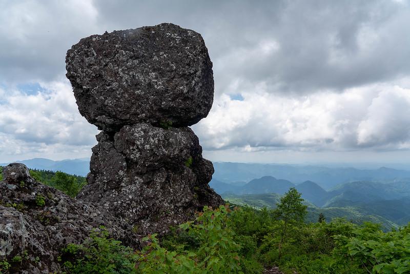 森吉山 冠岩