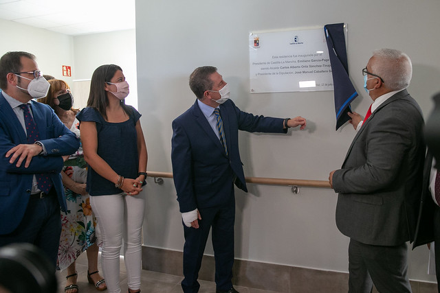 Inauguración de la residencia de mayores 'Cuna del Mayo' en Pedro Muñoz