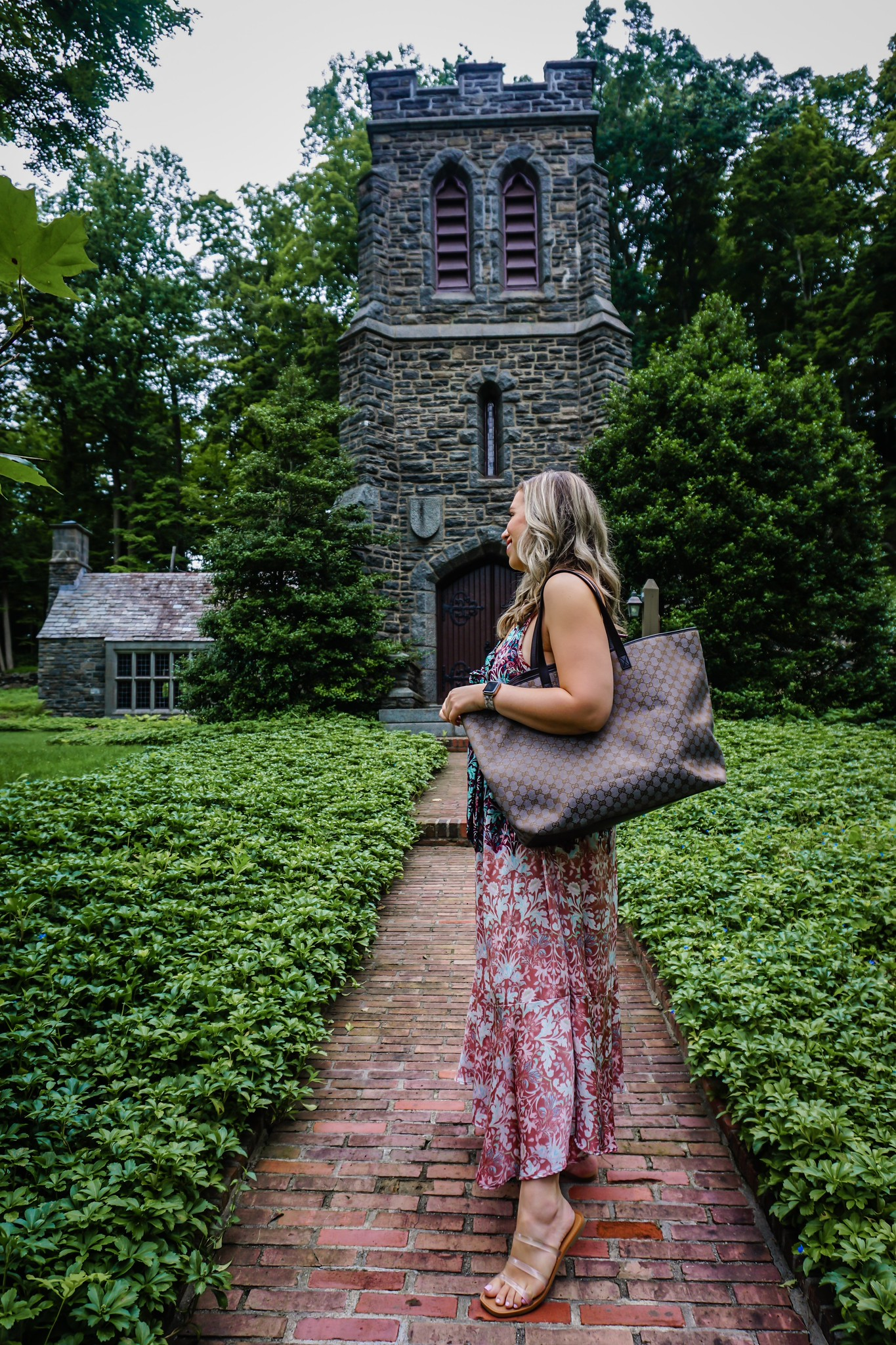 3 Ways to Wear Pre-Loved Designer Bag   Gucci Canvas Tote Bag   LXRandCo   LXR Vintage Luxury Retailer   Vintage Designer Bag Review   Where to Buy Preloved Designer Bags   Free People Metallic Dress Outfit   Summer Outfit Idea
