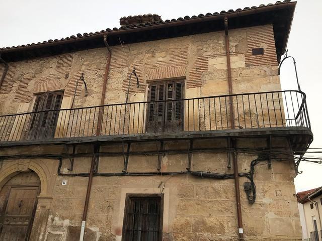 Detalle de una casa solariega de la Calle Montera en Torrelaguna