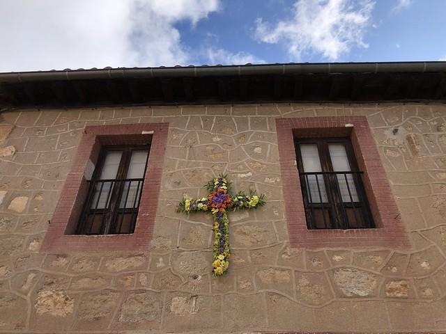 Detalle de las cruces de mayo en Torrelaguna