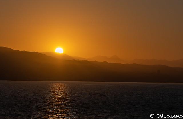 asoma el sol por la península