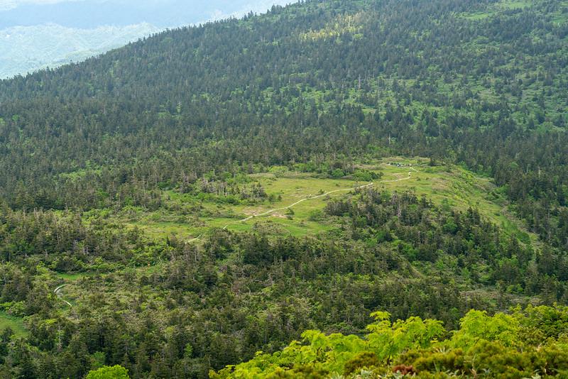 森吉山の山頂から見た山人平