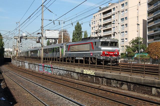 BB 15050 + empty train / rame à vide, Asnières-sur-Seine, 08/09/2009
