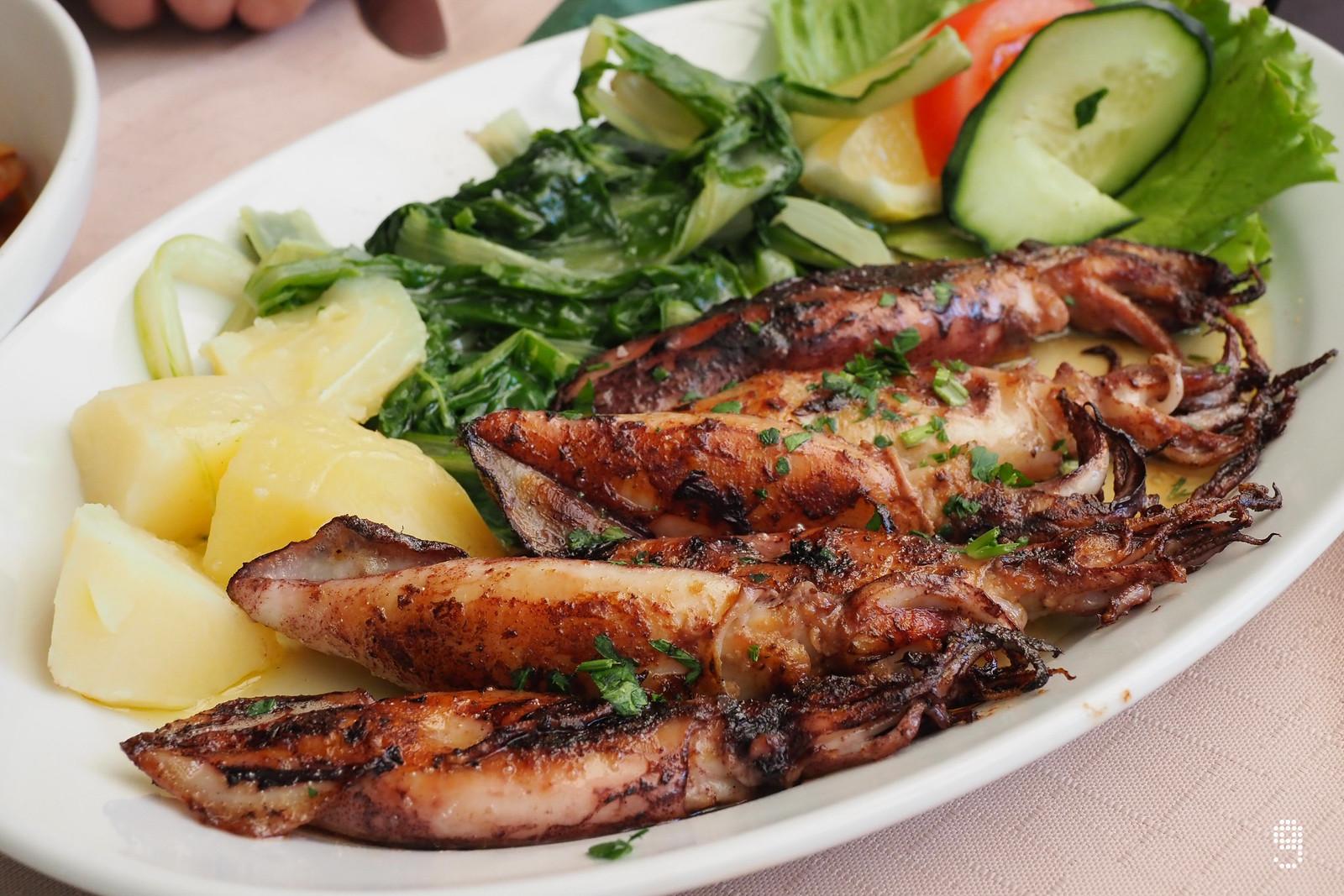 配上橄欖油煎得香口的小魷魚