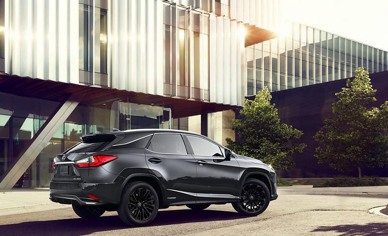 2022_Lexus_RXL_Black-Line-3