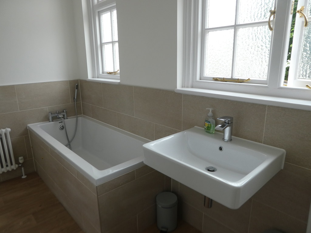 Bathroom, 3 Frederick Place, Bristol